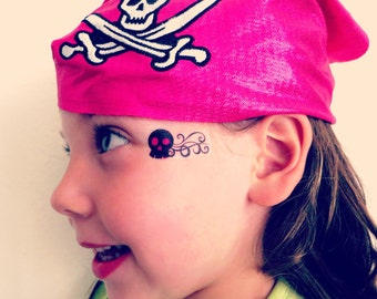 Skull and Crossbones Temporary Face Tattoo for Halloween - Costume Party Tattoo