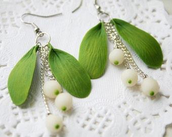 Mistletoe earrings - leaves earrings - christmas jewelry -floral earrings - berries earrings - polymer clay earrings - clay jewelry