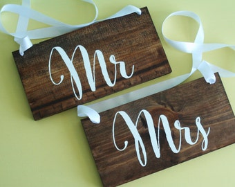 Rustic Wedding Mr and Mrs Signs // Photo Props