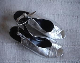 Vintage women shoes silver
