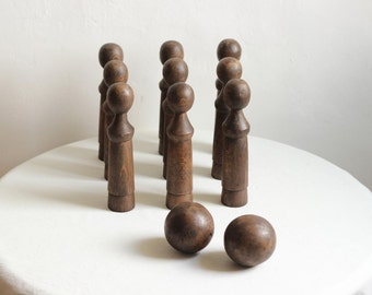French Antique Large Wooden Skittle Set / Nine Wooden Skittles And Two Wooden Balls /  Époque Vintage