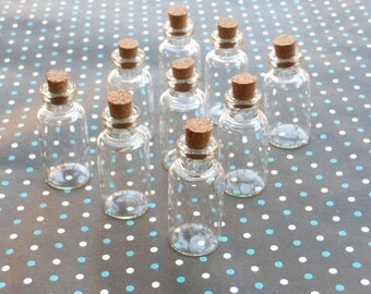 20 Mini glass bottles with corks 18x40mm