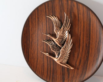 Vintage Faux Wood Wall Plate with Flying Bird Motif Wall Decor
