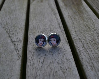 Disney Princess Snow white earrings