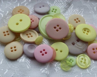 Button Assortment - Pastel - 30g - Mix for Card Making, Scrap-booking, Crafting, Decorations