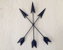 Arrows wall decor, Tribal metal, distressed in Navy Blue
