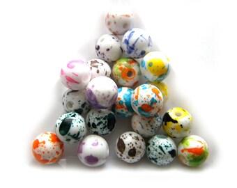 20 Paint Splattered White Glass Beads 10mm