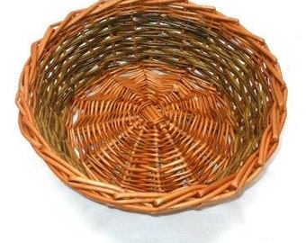 Make this Willow Table Basket: a weaving kit for complete beginners