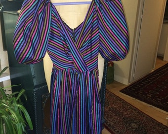 Vintage Striped multicolored Party Dress. Size 0-2