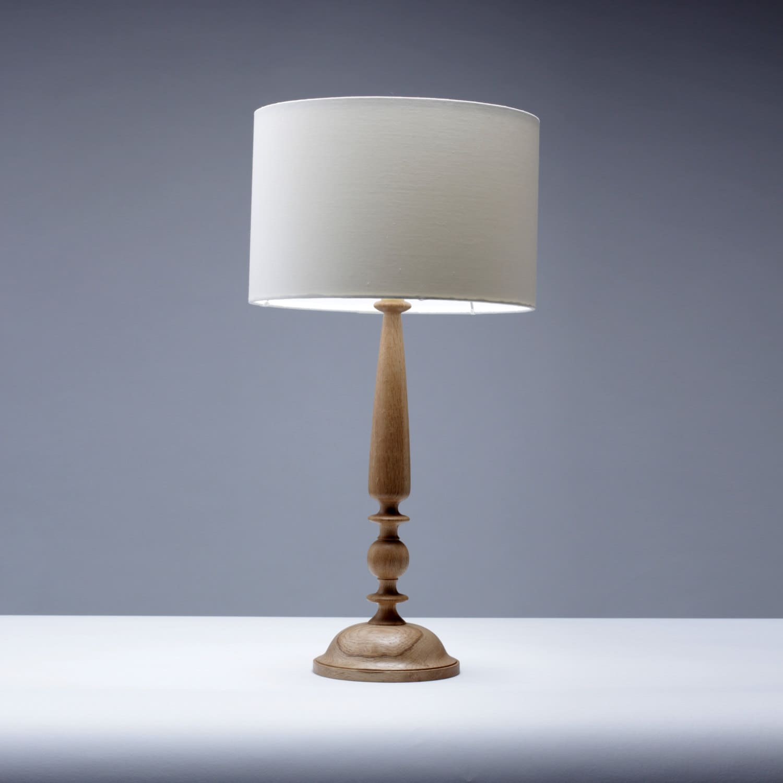 oak wood table lamp candlestick design 61cm traditional lamp. Black Bedroom Furniture Sets. Home Design Ideas
