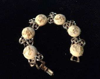 Vintage 1950s Gold Tone cora Bracelet