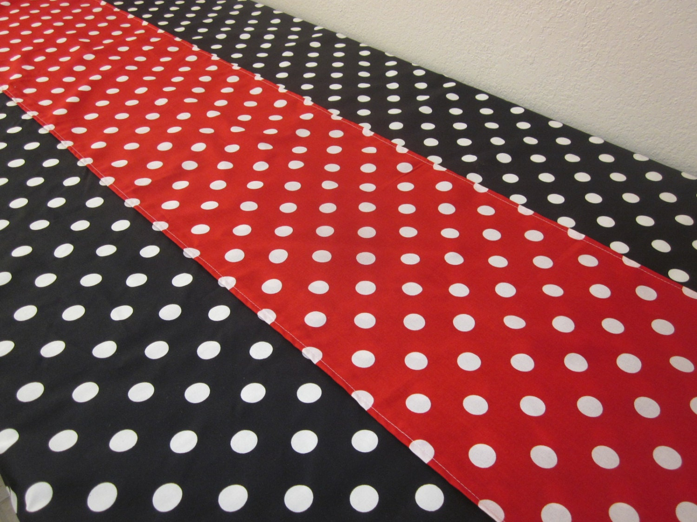 Polka dot tablecloth and runner minnie mouse birthday for Black polka dot tablecloth