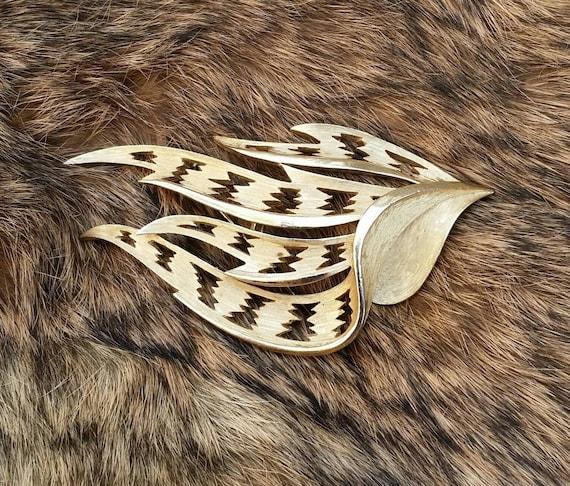 Trifari Signed Vintage Brooch