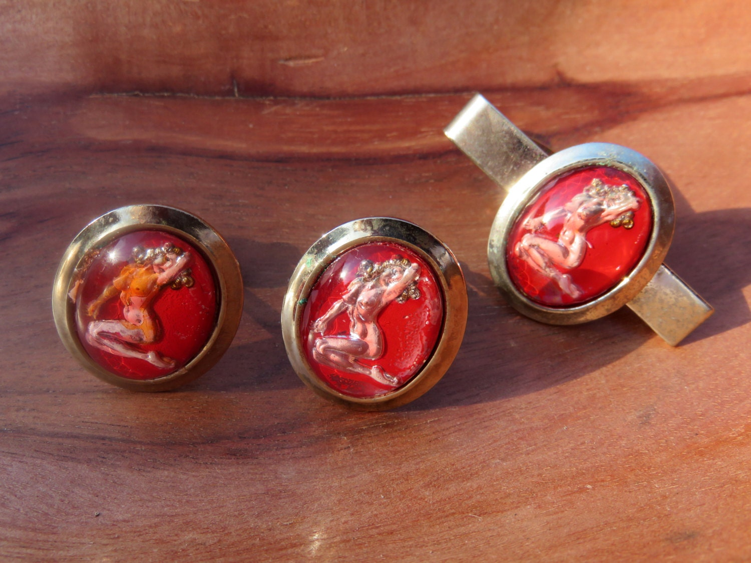 Stylish Men's Cufflinks to Spruce Up Your Accessory Game