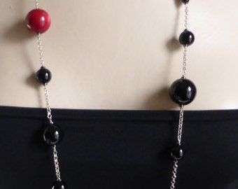 Long red coral bead necklace  with high quality onyx beads