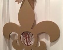 24 inch wooden fleur de lis with single letter initial