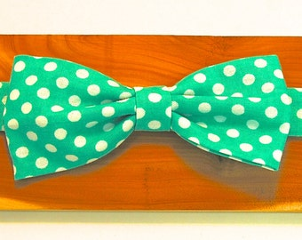 Green Polka Dot Adjustable Bowtie for Boys - Elastic Back - Special Occasion - Hipster - Birthday - Wedding - Party - Holidays - Formalwear