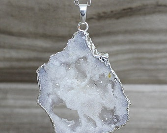 NEW Geode Druzy Pendant - White Drussy Crystal Geode - Gold Druzy Geode Beautiful Electroplated in Silver D5S3_01