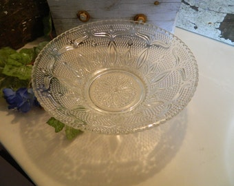 Large Vintage Indiana Glass Co. Clear Glass Serving Bowl Tiara Sandwich