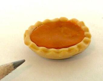 pumpkin pie dollhouse miniature 1/12 scale