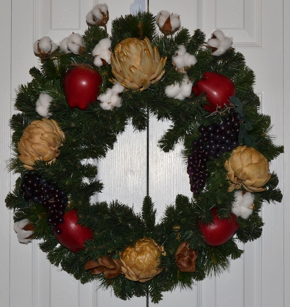 Williamsburg Christmas Decorating Ideas: Williamsburg Christmas Fruit Wreath By GaslightFloralDesign