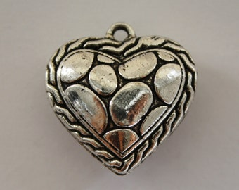 Heart Charms, Heart Pendant, Silver Heart, Bracelet Charms - 25x25mm - 2ct - #285