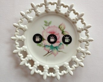 coffee crowns - altered vintage plate