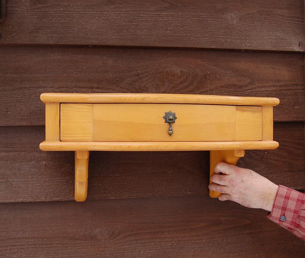 Tag re murale en bois avec tiroir tag re de demi lune - Etagere murale avec tiroir ...