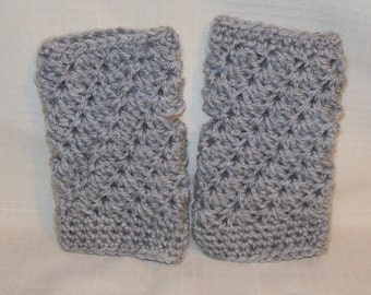 Crocheted Fingerless Mitts in silver grey (light grey)