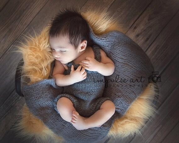 Pattern - Newborn Knit Overalls Pattern