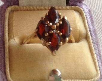 Vintage 10K Gold & Marquis Shaped Garnet Ladies Ring