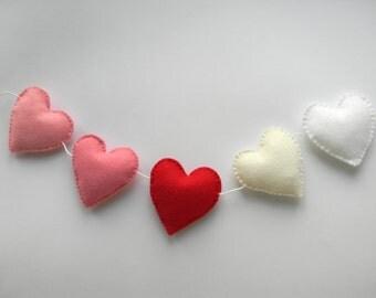 Valentine Felt Heart garland/ banner/ bunting, Wedding heart garland , Valentine's day decor, nursery decor , birthday decor, pink red white