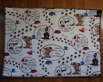 Dog Days Large Pet Food Mat