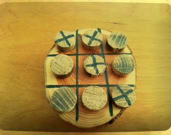 Rustic tic tac toe. Great cabin decor!