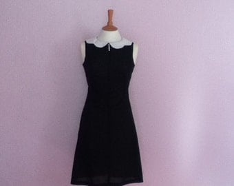 Vintage 1960's Peter pan collar Aline sleeveless black & white dress