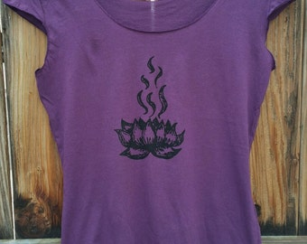 Lotus Flower Tee Hippy Boho Zen Gyspy Workout Top Lotus Tee, Lotus Top, Lotus Tshirt in Purple Eggplant, Size Large