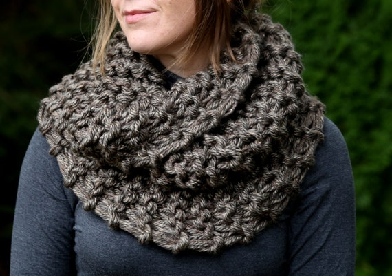 READY TO SHIP! Hand Knit Outlander Inspired Claire's Mobius Super Soft Cowl in Brown Marble, Chunky Knit, Infinity Scarf, Neck Warmer