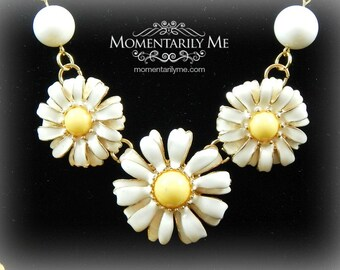 SALE 18.00 Vintage Gold and White Necklace