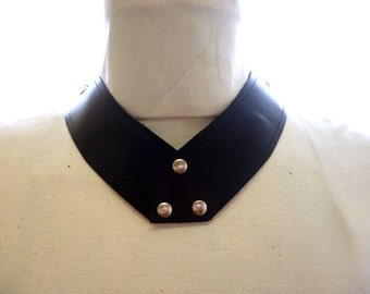 V-CHOKE Necklace in Horween Leather