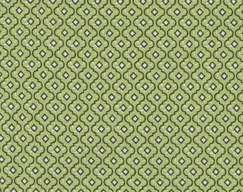 CLEARANCE by the PIECE Green Medallion Print Fabric Reproduction Historical Quilting Cotton Doll Clothes Past Crafts 19th C