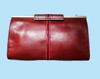 Color 80's Burgundy leather / genuine leather pouch and shape in Paris.