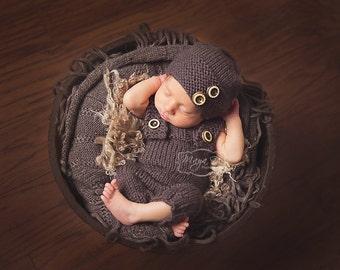Knitting Pattern - Set - Newborn Bib Pants and Bee Hat