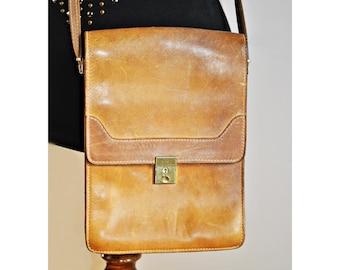 Vintage  Brown Caramel Leather Purse -  Handbag - Shoulder Bag - Messenger bag