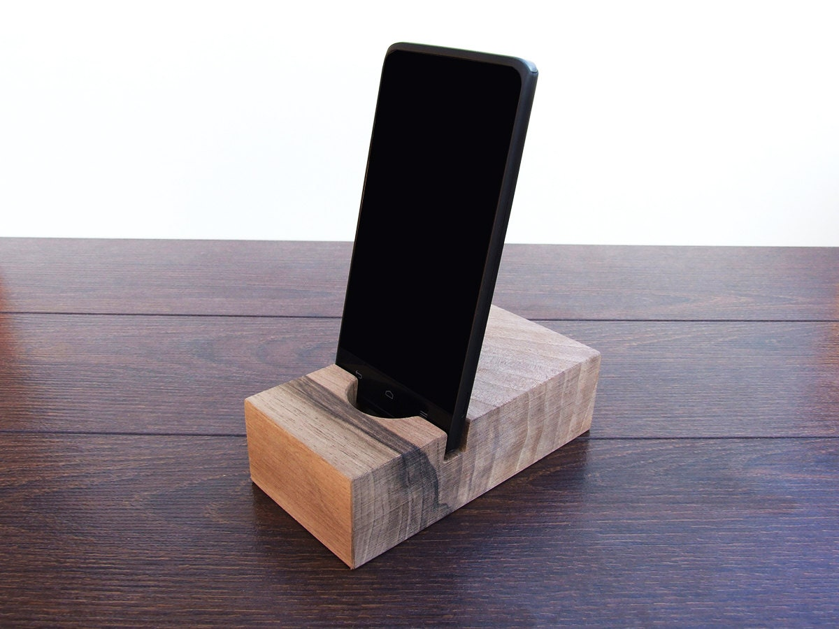 wooden iphone docking station iphone 6 wood dock station iphone 6 plus by magowood 16526