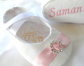 White Paisley Baby Girl Shoes With Pink Embroidery, Baptism Personalized Baby Shoes, Christening,  FREE personalization, New Baby