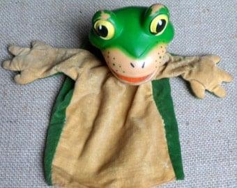 Steiff Froggy Hand Puppet, Plastic (EAN 0417 .00).