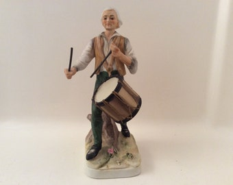 Lefton Colonial Revolutionary War Figurine, Drummer #2041.