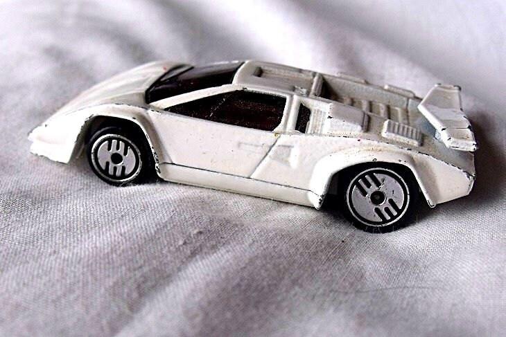 1989 hotwheels car lamborghini countach hotwheels toy. Black Bedroom Furniture Sets. Home Design Ideas