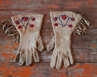 Vintage Native Gauntlet Gloves