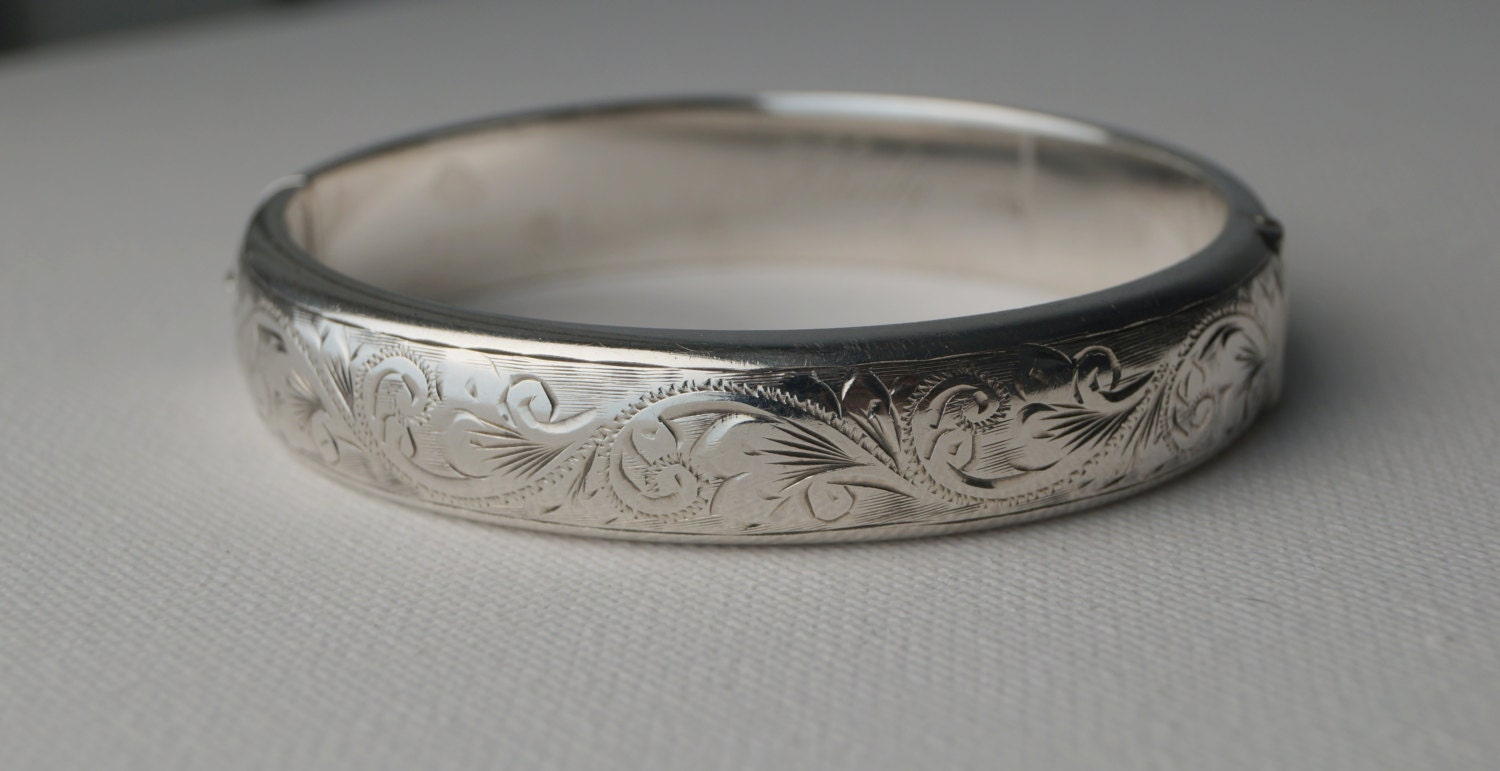 vintage sterling silver cuff bracelet engraved sterling. Black Bedroom Furniture Sets. Home Design Ideas